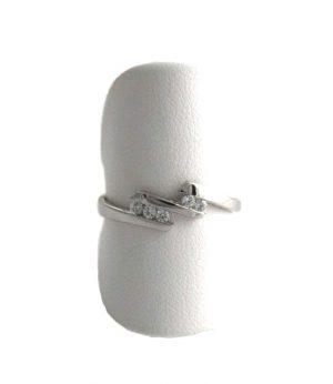 Bague aux 5 oxydes de zirconium - Or blanc 750/1000 - Taille 55